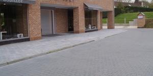 entreprise d'aménagement extérieur/ de cours / allée / parking, travaux de voirie, société d'asphalte, asphaltage, macadam, terrassement, goudron, pose de tarmac, parking toit, enrobé, pavage, démolition, Namur, Waterloo, Hainaut, Liège, Charler